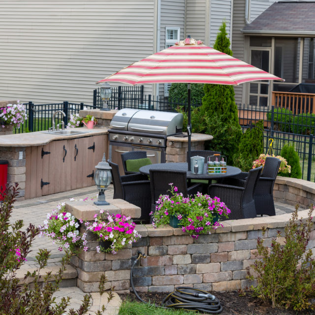 Outdoor Kitchens with Sinks in Raleigh NC